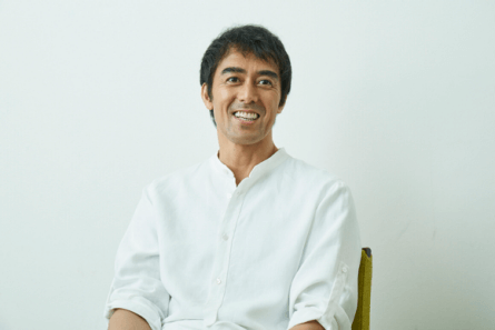 「い・ろ・は・す」CMキャラクター阿部寛さん
